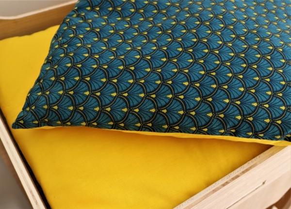 Coussin jaune- bleu canard